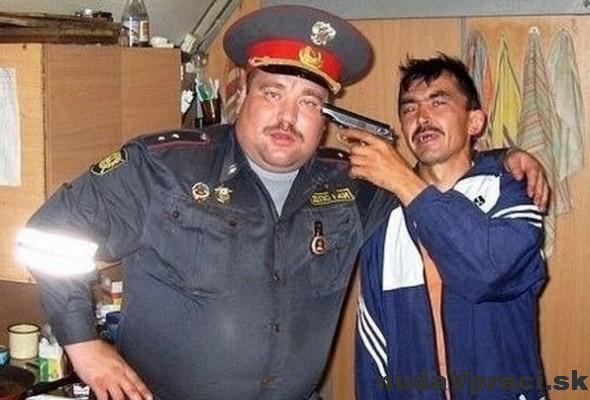 Najlepšia fotka s ruským policajtom