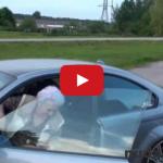 Babička driftuje na BMW M3 E46 s 343 koňmi