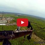 Toto sú BLÁZNI! Rusi vo videu riskujú životy