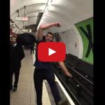 Skvelé! Ping Pong súboj v londýnskom metre