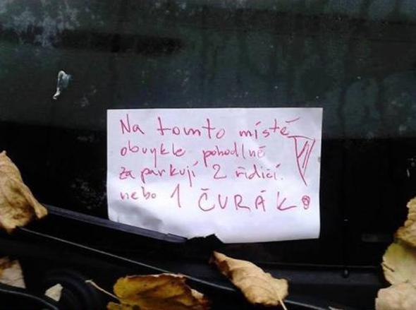 Vystizne!-Odkaz-na-parkovisku