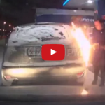 Bizarné! Ruska si pri tankovaní podpálila auto