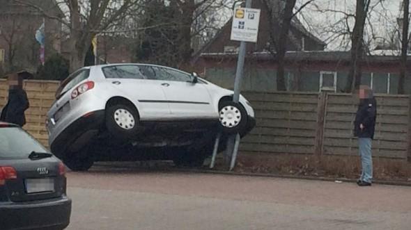 Nové parkovacie stojany pre autá